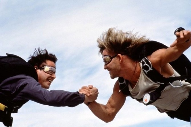 Patrick Swayze Keanu Reeves skydive Point Break