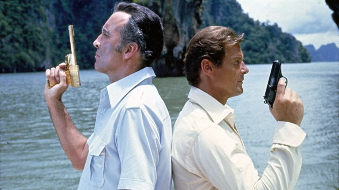 James Bond The Man With The Golden Gun Duel