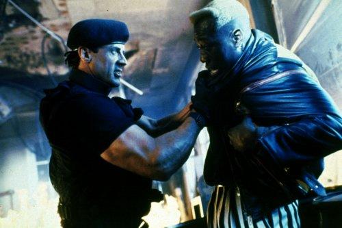 Demolition Man Spartan fights Phoenix